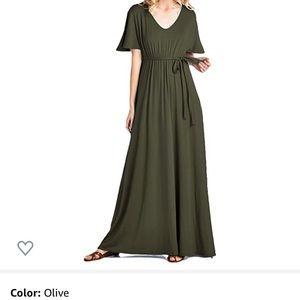 Beachcoco Short Sleeve Maxi Dress - Olive Large